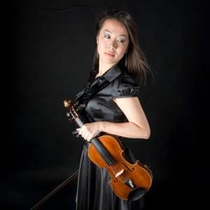 麻場友姫胡(Violin,Vo)